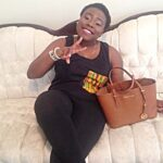 Reaction trail Teni's throwback feminine outfit photograph
