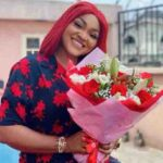 Mercy Aigbe shows off flower bouquet and heart-melting note she got from mystery love
